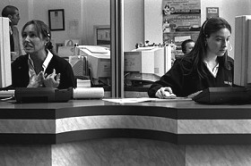two women at a callcenter