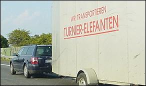 wir transportieren turnier-elefanten